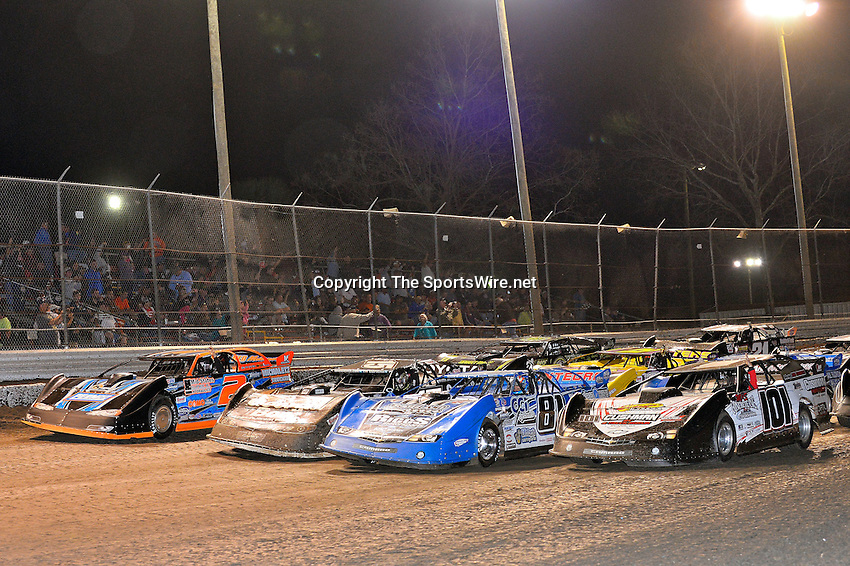 Feb 20, 2014; 9:18:41 PM;  Barberville, FL, USA;  World of Outlaws Late Model Series for 43rd Annual DIRTcar Nationals presented by Summit Racing Equipment at Volusia Speedway Park.  Mandatory Credit: (thesportswire.net)