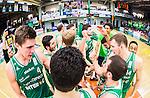 S&ouml;dert&auml;lje 2015-04-19 Basket SM-Final 1 S&ouml;dert&auml;lje Kings - Uppsala Basket :  <br /> S&ouml;dert&auml;lje Kings spelare jublar efter matchen mellan S&ouml;dert&auml;lje Kings och Uppsala Basket <br /> (Foto: Kenta J&ouml;nsson) Nyckelord:  S&ouml;dert&auml;lje Kings SBBK T&auml;ljehallen Basketligan SM SM-Final Final Uppsala Basket jubel gl&auml;dje lycka glad happy