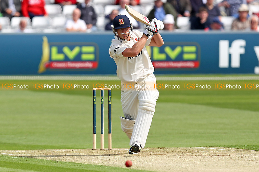 Tom Westley in batting action for Essex - Essex CCC vs Leicestershire CCC - LV County Championship Division Two Cricket at the Ford County Ground, Chelmsford - 04/05/14 - MANDATORY CREDIT: Gavin Ellis/TGSPHOTO - Self billing applies where appropriate - 0845 094 6026 - contact@tgsphoto.co.uk - NO UNPAID USE