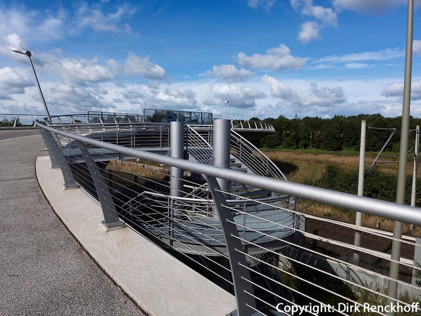 Brücke im Naturschutzgebiet Stellmoorer Tunneltal, Hamburg, Deutschland