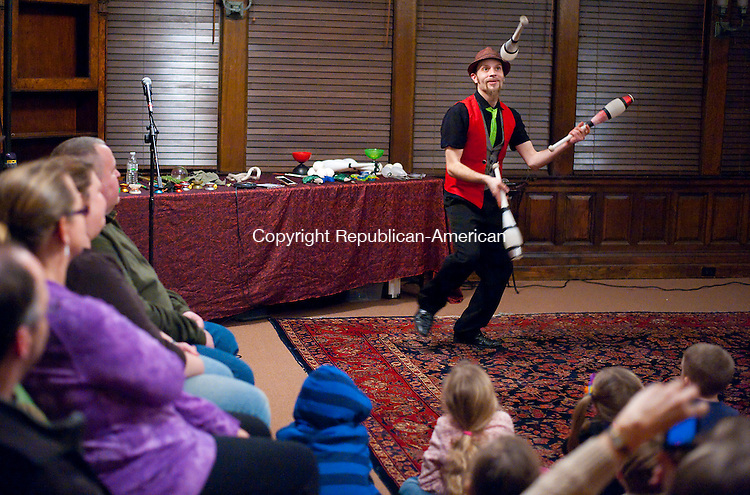 WASHINGTON, CT--- -122915JS01--Yo-yo player, juggler and entertainer Eric Girardi entertains the audience during a show Tuesday at the Gunn Memorial Library in Washington. <br /> Jim Shannon Republican-American