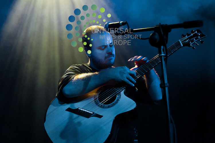 Virtuoso American guitarist Andy McKee enthralls the crowd at The Arches, in Glasgow on  ,4 August 2011, Picture: Al Goold/Universal News and Sport (Europe) 2011.