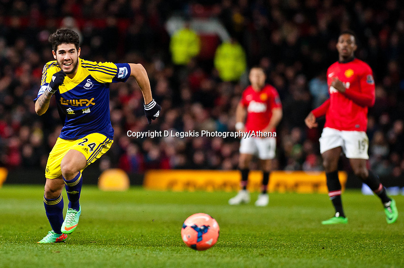 Sunday 05 January 2014<br /> Pictured:Alejandro Pozuelo makes a run upfield <br /> Re: Manchester Utd FC v Swansea City FA cup third round match at Old Trafford, Manchester