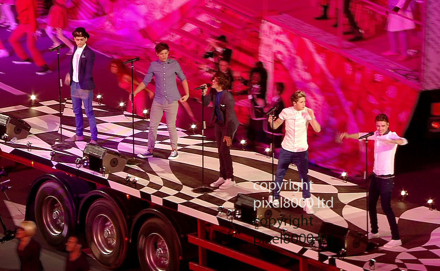Olympics 2012 - BBC Coverage.Closing ceremony.One Direction on a moving truck.....Picture by Pixel8000 07917221968