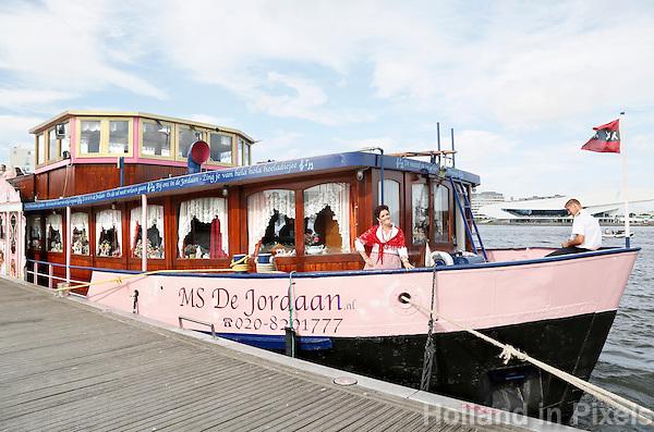 Nederland  Amsterdam  2016. Rondvaartboot  MS De Jordaan op het IJ.  Foto Berlinda van Dam / Hollandse Hoogte