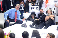 NEW YORK, NY - SEPTEMBER 13: Mayor Bill de Blasio, Yoko Ono, Ringo Starr and Jeff Bridges attend the Fifth Annual Come Together: NYC Bed-In Celebration at City Hall on September 13, 2018 in New York City. <br /> CAP/MPI/RH<br /> &copy;RH/MPI/Capital Pictures