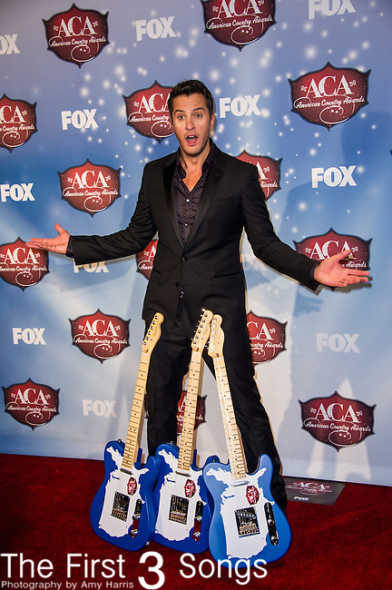 Luke Bryan in the press room at the American Country Awards 2013 at the Mandalay Bay Resort & Casino in Las Vegas, Nevada