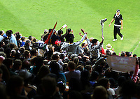 NZ's Tim Southee walks to the boundary during 2nd Twenty20 cricket match match between New Zealand Black Caps and West Indies at Westpac Stadium, Wellington, New Zealand on Friday, 27 February 2009. Photo: Dave Lintott / lintottphoto.co.nz