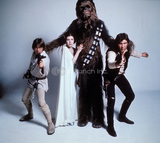MARK HAMILL, CARRIE FISHER, CHEWBACCA &amp; HARRISON FORD<br /> in Star Wars  <br /> Filmstill - Editorial Use Only<br /> Ref: 4546<br /> CAP/AWFF<br /> Supplied by Capital Pictures /MediaPunch ***NORTH AND SOUTH AMERICAS ONLY***