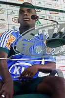 SAO PAULO, 15 DE MARÇO, 2013  - TREINO S.E. PALMEIRAS -  COLETIVA PATRICK VIEIRA - O jogador Patrick Vieira durante coletiva à imprensa na Academia de Futebol na tarde desta sexta-feira(15). A equipe se prepara para o jogo deste domingo contra o São Caetano, no Estádio Anacleto Campanella, pela 12ª rodada do Campeonato Brasileiro -  FOTO: LOLA OLIVEIRA - BRAZIL PHOTO PRESS