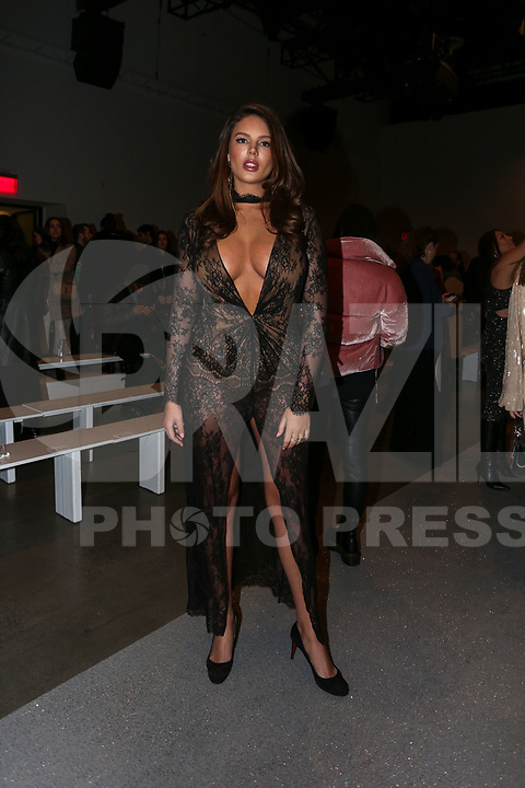 NOVA YORK,USA, 13.02.2019 - MODA-NOVA YORK - Zita Vass durante desfile da grife Rosa Cha no New York Fashion Week (NYFW) em Nova York nesta quarta-feira, 13. (Foto: Vanessa Carvalho/Brazil Photo Press)