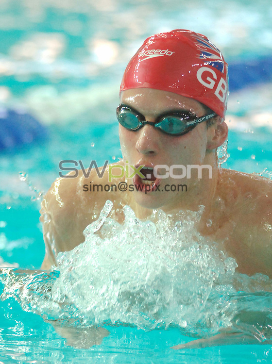 Pix: Chris Whiteoak/SWpix.com. Swimming, European Short Course Swimming Championships 2005, Trieste, Italy, 11/12/05..copyright picture>>simon wilkinson>>07811267706>>..Great Britain's James Kirton swims in the mens 200m breaststroke