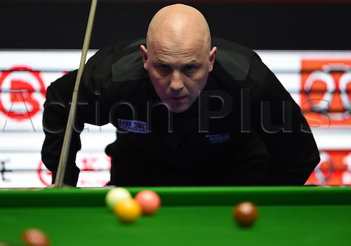 01.04.2016. Beijing, China.  Mark King of England prepares to take a shot during the match against Judd Trump of England at the 2016 World Snooker China Open in Beijing, capital of China, April 1, 2016