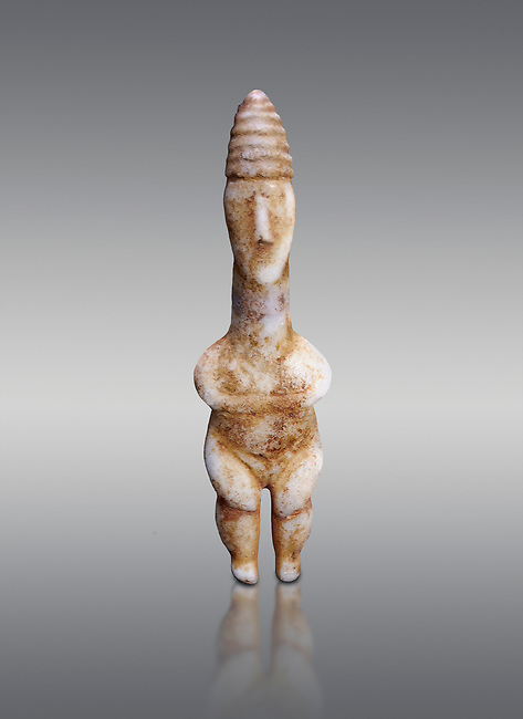 Marble ancient Greek Cycladic figurine wearing a conical pilos, early Plastiras type, Early Cycladic Period I, circal 2800 BC, Museum of Cycladic Art Athens, cat no 1111.  Grey Background.