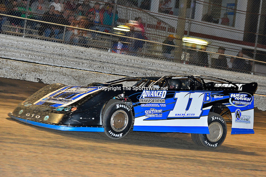 Feb 17, 2014; 7:15:41 PM;  Barberville, FL, USA;  World of Outlaws Late Model Series for 43rd Annual DIRTcar Nationals presented by Summit Racing Equipment at Volusia Speedway Park.  Mandatory Credit: (thesportswire.net)