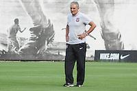 SÃO PAULO, SP, 12.11.2015 - FUTEBOL-CORINTHIANS -  Tite treinador do Corinthians durante sessão de treinamento no Centro de Treinamento Joaquim Grava na região leste de São Paulo nesta quinta-feira, 12.  (Foto: Marcos Moraes / Brazil Photo Press)