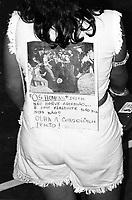 Estudantes se mobilizam na luta pela meia passagem pulando a roleta dos &ocirc;nibus durante v&aacute;rios protestos pela cidade e s&atilde;o reprimidos pela pol&iacute;cia militar.<br /> Bel&eacute;m, Par&aacute;, Brasil.<br /> Foto Paulo Santos <br /> 1984
