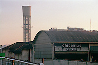 Milano, quartiere Bovisa, periferia nord. Zincheria Origoni & C. Metalli (non più esistente) --- Milan, Bovisa district, north periphery. Zinc-coating factory Origoni & C. Metalli (no longer existing)
