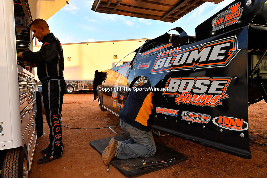 Jan 7, 2017; 5:12:44 PM; QUEEN CREEK, AZ., USA; 11th Annual Keyser Manufacturing Wild West Shootout at Arizona Speedway presented by O'Reilly Auto Parts. Mandatory Credit: (thesportswire.net)