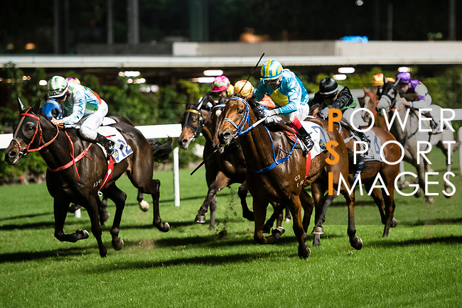 Jockey #2 Douglas Whyte riding London City during Hong Kong Racing at Happy Valley Race Course on November 22, 2017 in Hong Kong, Hong Kong. Photo by Marcio Rodrigo Machado / Power Sport Images