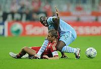 FUSSBALL   CHAMPIONS LEAGUE   SAISON 2011/2012     27.09.2011 FC Bayern Muenchen - Manchester City Philipp Lahm (li, FC Bayern Muenchen)  gegen Micah Richards (Manchester City)