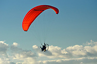 Hang gliding in Qu' Appelle Valley<br />