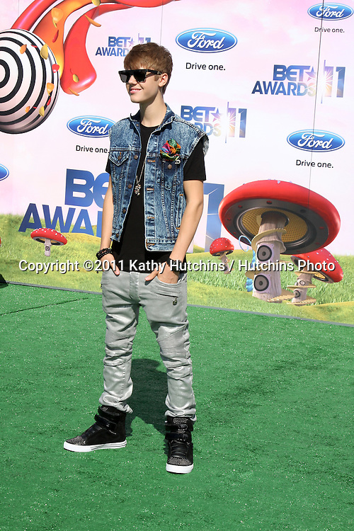 LOS ANGELES - JUN 26:  Justin Bieber arriving at the 11th Annual BET Awards at Shrine Auditorium on June 26, 2004 in Los Angeles, CA