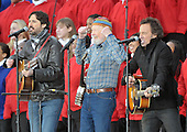 "Washington, DC - January 18, 2009 -- Pete Seeger, center, Bruce Springsteen, right, and Seeger's grandson Tao Seeger perform at the ""Today: We are One - The Obama Inaugural Celebration at the Lincoln Memorial"" in Washington, D.C. on Sunday, January 18, 2009..Credit: Ron Sachs / CNP.(RESTRICTION: NO New York or New Jersey Newspapers or newspapers within a 75 mile radius of New York City)"