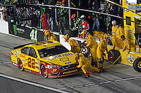 12-13 February, 2016, Daytona Beach, Florida, USA<br /> Joey Logano makes a pit stop.<br /> ©2016, F. Peirce Williams
