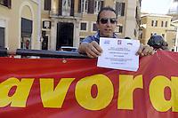 Roma, 4 Maggio 2012.Piazza Montecitorio .Lavoratori Sirti manifestano contro i licenziamenti