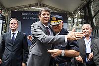 """SÃO PAULO, SP - 23.09.2013 - SOLENIDADE ENTREGA DE NOVAS VIATURAS DA GCM - O Prefeito Fernando Haddad e o Comandante Geral da GCM Gilson Menezes durante a solenidade de entrega das novas viaturas da GCM, a prefeitura de São Paulo entrega nesta manhã de segunda-feira (23) 200 novas viaturas da GCM (Guarda Civil Metropolitana), entre as novas viaturas terá 20 são do programa """"Crack é possível vencer"""". (Foto: Marcelo Brammer/Brazil Photo Press)"""