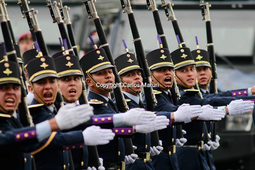 M&eacute;xico DF 16/Septiembre/2015. <br /> El Lic. Enrique Pe&ntilde;a Nieto, encabezo el Desfile Militar con motivo de los 205 a&ntilde;os de la Independencia de M&eacute;xico realizado en la Plaza de la Constituci&oacute;n.<br /> Todos los derechos reservados.