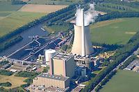 4415/Kraftwerk Heyden :EUROPA, DEUTSCHLAND, NIEDERSACHSEN, 15.06.2005: Nördlich der Porta Westfalica, bei Petershagen Lahden an der Weser, liegt der Standort des Kohlekraftwerks Heyden. Mit 865 Megawatt hat dieses Kraftwerk die höchste mit Kohle gefeuerte Blockleistung im Kraftwerkspark der E.ON Kraftwerke GmbH. Das Kraftwerk Heyden ist für den Einsatz in der Mittellast konzipiert. Abgesehen von Zeiten, in denen es nicht verfügbare Leistung zu ersetzen hat, wird es vorwiegend an Werktagen dem wechselnden Strombedarf entsprechend eingesetzt. Bei 3.000 bis 5.000 Volllastbenutzungsstunden pro Jahr leistet das Kraftwerk eine Jahresarbeit zwischen 2,5 und 4,2 Milliarden Kilowattstunden..Luftaufnahme, Luftbild,  Luftansicht