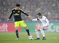 FUSSBALL CHAMPIONS LEAGUE SAISON 2016/2017 GRUPPENPHASE FC Basel - Arsenal London            06.12.2016 Granit Xhaka (li, Arsenal) gegen Bruder Taulant Xhaka (FC Basel)