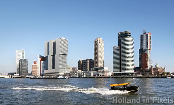 Nederland Rotterdam - 2017. Gebouwen op de Wilhelminapier.  Watertaxi op de Maas. Foto Berlinda van Dam / Hollandse Hoogte