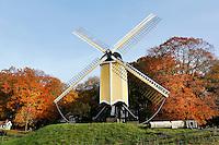 Nederland Arnhem 2015.  Het Nederlands Openluchtmuseum. Standerdmolen uit Huizen. Foto Berlinda van Dam / Nederlandse Hoogte
