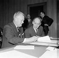 Le Premier ministre et chef du parti liberal Jean Lesage avec Rene Levesque en 1965 (date exacte inconnue)<br /> <br /> PHOTO : Agence Quebec Presse - Photo Moderne