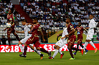 MANIZALES - COLOMBIA, 17-08-2017: Edder Farias (Izq) de Once Caldas disputa el balón con Luis Cardoza (Der) de Deportes Tolima por la fecha 8 de Liga Águila II 2017 jugado en el estadio Palogrande de la ciudad de Manizales. / Edder Farias (L) player of Once Caldas fights for the ball with Luis Cardoza (R) player of Deportes Tolima during match for the date 8 of the Aguila League II 2017 played at Palogrande stadium in Manizales city. Photo: VizzorImage / Santiago Osorio / Cont