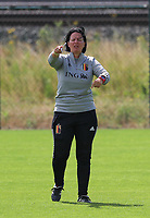20200627 - TUBIZE , Belgium : Head coach Tamara Cassimons gives instructions during a training session of the Belgian Red Flames U17, on the 27 th of June 2020 in Tubize.  PHOTO SEVIL OKTEM| SPORTPIX.BE