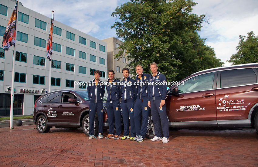10-09-2013,Netherlands, Groningen,  Martini Plaza, Tennis, DavisCup Netherlands-Austria, Training,  Dutch Team with official cars, ltr: Robin Haase Jesse Huta GalungJ ean-Julien Rojer, , Thiemo de Bakker and  Captain Jan Siemerink<br /> Photo: Henk Koster