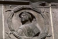 Europe/France/Auvergne/63/Puy-de-Dôme/Montferrand: Hôtel de Fontfreyde (maison de Lucrèce) - Détail médaillon à l'italienne réprésentant Tarquin