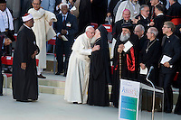 Assisi,Italy, September 20, 2016. Papa Francesco saluta il Patriarca Bartolomeo I al termine della cerimonia di chiusura della giornata di preghiera per la pace ad Assisi. Pope Francis salutes Ecumenical Patriarch Bartholomew I during the closing event of an inter-religious prayer gathering, in front of the Basilica of St. Francis, Assisi, Italy. War refugees and leaders and representatives of several religions, including Christians, Jews, Muslims, Hindus and others, joined Pope Francis in a day of prayer for peace in Assisi, the hometown of St. Francis, who preached tolerance and gentleness.