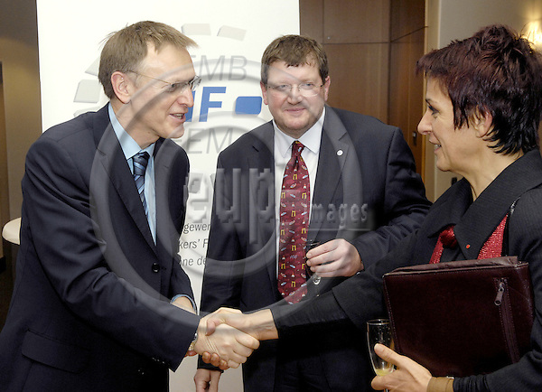 Brussels-Belgium - 24 January 2008---New Year's Reception by EMF (European Metalworkers' Federation; Europaeischer Metallgewerkschaftsbund, EMB; here, Janez POTOCNIK (le)(Poto?nik), European Commissioner for Science and Research; Peter SCHERRER (ce), EMF General Secretary; Lidija JERKIC (ri)(Jerki?), President of SKEI - Trade Union of Metal and Electrical Workers of Slovenia---Photo: Horst Wagner / eup-images