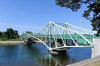 Schwenkbrücke über den Karosta-Kanal in Liepaja, Lettland, Europa