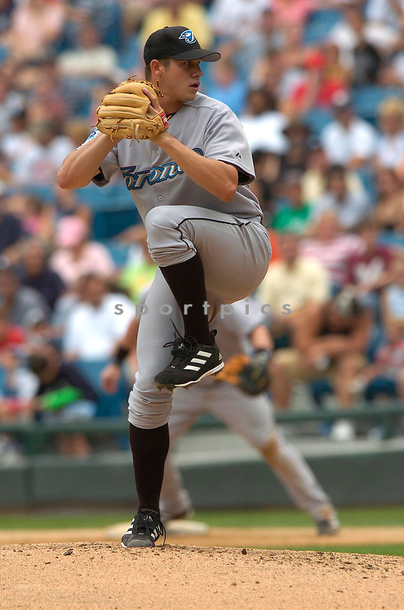 Dustin McGowan, of the Toronto Blue Jays, in action against the Chicago White Sox, on August 4, 2005...White Sox  win 5-4...David Durochik / SportPics
