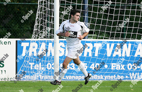 2010-08-04 / Seizoen 2010-2011 / Voetbal / Wuustwezel / Bart Bracke..Foto: mpics