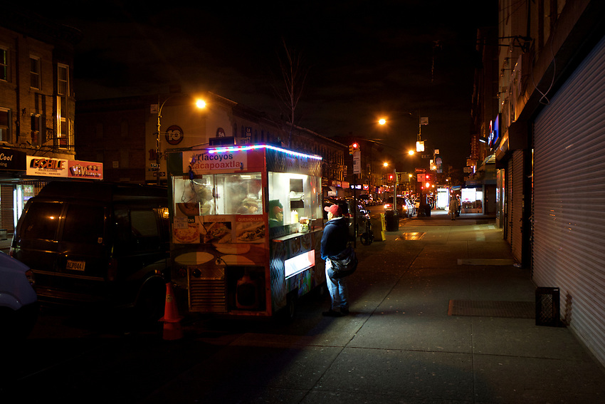 BROOKLYN, NY - JANUARY 16, 2016: On 5th Avenue, a Mexican food cart sells tacos and other dishes in the evenings.<br /> <br /> LOCATION: 5th Avenue between 50th and 51st Streets.<br /> CREDIT: Clay Williams for the New York Times.<br /> <br /> &copy; Clay Williams / claywilliamsphoto.com