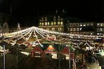 03.12.2019, Hansestadt Luebeck, GER,  Weihnachtsmarkt in der Luebecker Innenstadt<br /> <br /> im Bild / picture shows<br /> Weihnachtsmarkt vor dem Rathaus<br /> <br /> Foto © nordphoto / Tauchnitz