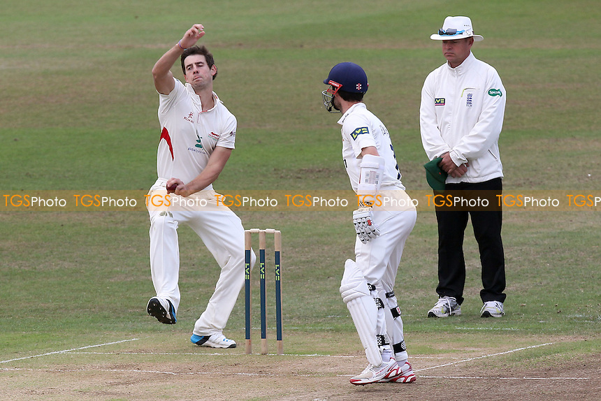 Rob Taylor in bowling action for Leicestershire - Leicestershire CCC vs Essex CCC - LV County Championship Division Two Cricket at Grace Road, Leicester - 16/09/14 - MANDATORY CREDIT: Gavin Ellis/TGSPHOTO - Self billing applies where appropriate - contact@tgsphoto.co.uk - NO UNPAID USE