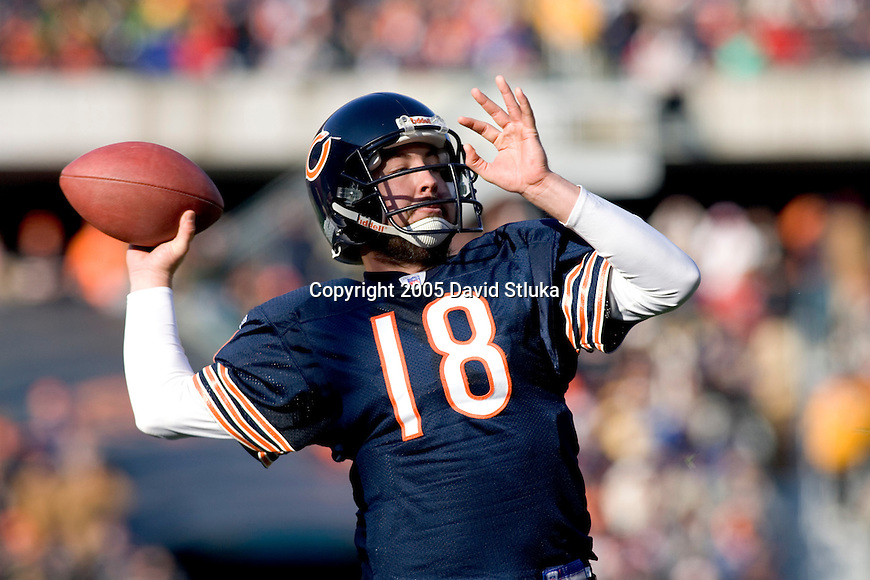 Quarterback Kyle Orton #18 of the Chicago Bears throws a pass against the Green Bay Packers on December 4, 2005 at Soldier Field in Chicago, Illinois. The Bears defeated the Packers 19-7. (Photo by David Stluka)